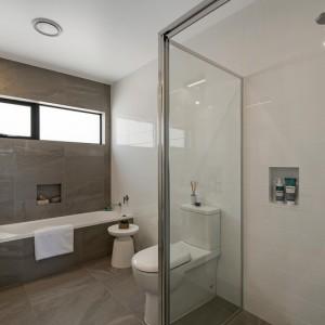 8 bathroom 1-v2